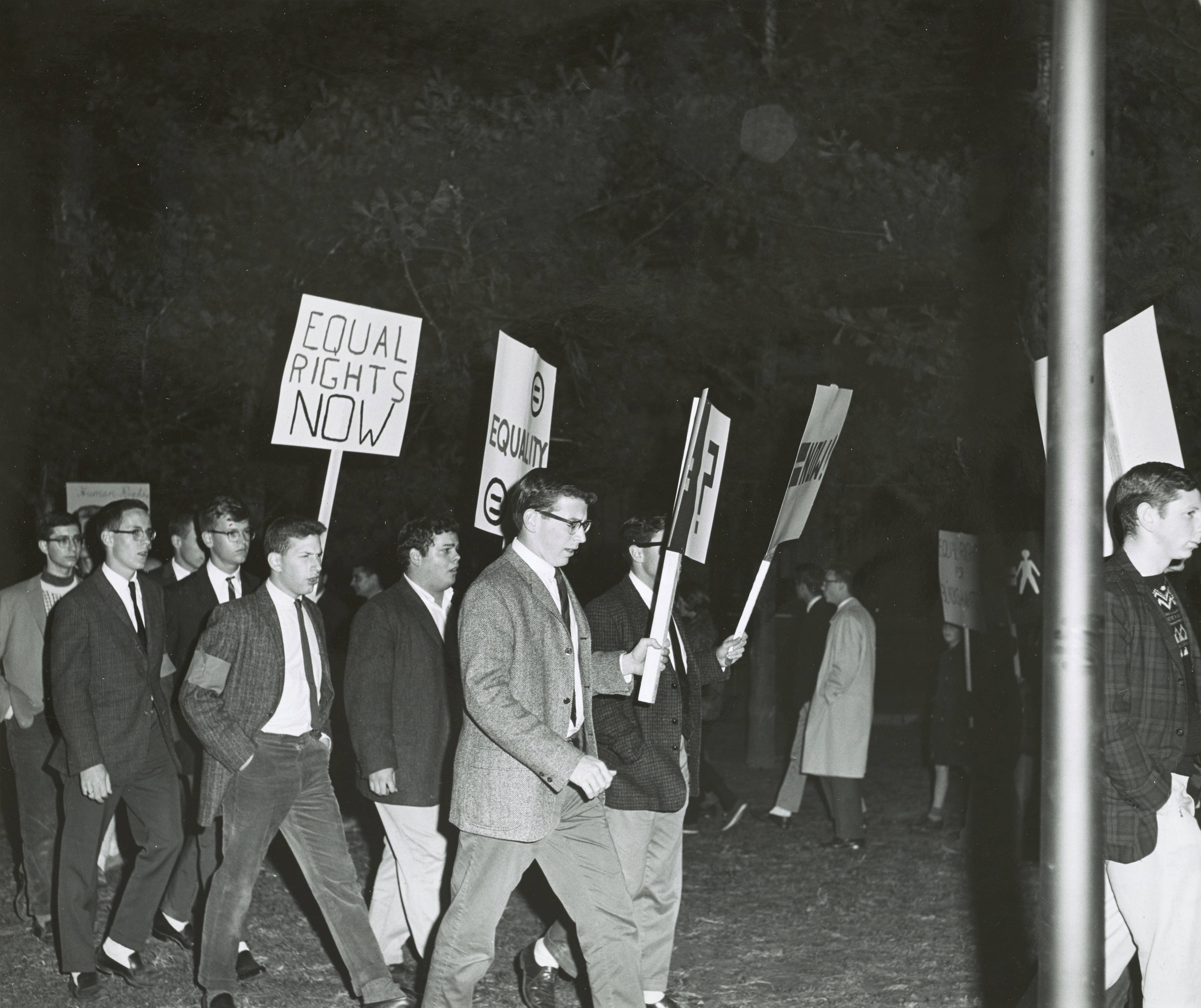 Dartmouth community protests George Wallace Visit, 1963